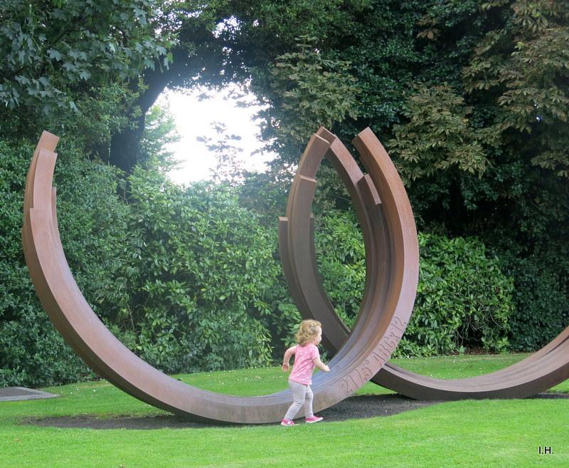 Bernar Venet, 217.5° Arc x 12, IMMA, Dublin